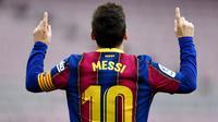 Kabar mengejutkan datang dari Liga Spanyol. Klub raksasa Barcelona melalui laman resminya mengumumkan tidak memperpanjang kontrak kerja sama dengan mega bintang Lionel Messi pada Jumat (6/8/2021) dini hari.  (Foto: AFP/Pau Barrena)