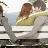 Mungkin banyak orang yang menganggap salah, tapi 'perselingkuhan' bukanlah hal yang tabu dalam setiap hubungan.