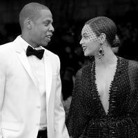 Anak kembar berjenis kelamin laki-laki telah hadir di tengah-tengah keluarga Beyonce dan Jay Z. Namun sejak kabar kelahiran bayi tersebut ramai dibicarakan, hingga kini publik penasaran lantaran ingin melihatnya. (AFP/Bintang.com)