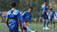 Skuat Persib Bandung dalam sesi latihan pada Shopee Liga 1 2020. (Bola.com/Erwin Snaz)