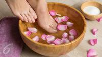 Lakukan cara mudah ini untuk mendapatkan kaki dan kuku yang tampak bersih, sehat dan indah. (Foto: iStockphoto)