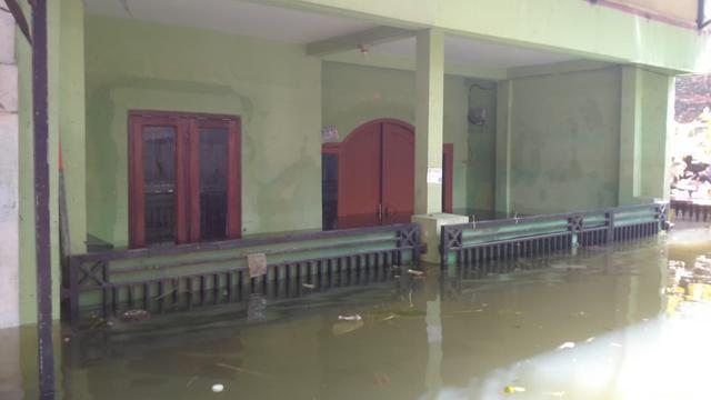 Perumahan di Tangerang Masih Terendam Banjir