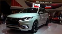 Adalah Mitsubishi Outlander PHEV yang sukses menuai perhatian pengunjung dan pewarta di ICE, BSD City, Tangerang.