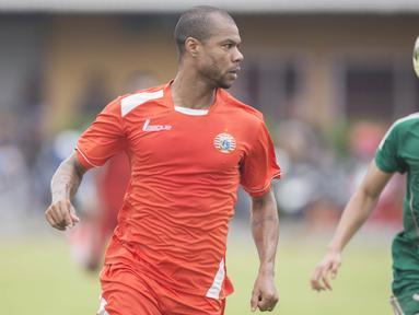 Manajemen Persija Jakarta, memutuskan untuk batal mengontrak striker Hilton Moreira, dengan alasan sang pemain tidak disukai oleh suporter The Jakmania. (Bola.com/Vitalis Yogi Trisna)
