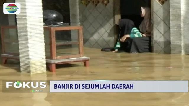 Ratusan rumah warga di Kecamatan  Trenggalek, Gandusari, dan Pogalan terendam banjir akibat hujan deras dan sejumlah tanggul jebol.