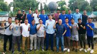 Jajaran manajemen, pelatih, dan pemain PSIM Yogyakarta menjelang bergulirnya Liga 2 2019. (Bola.com/Vincentius Atmaja)