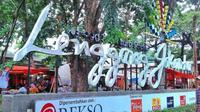 Kawasan kuliner dan cenderamata, Lenggang Jakarta, di Monas. (dok.Instagram @lenggang_jkt/https://www.instagram.com/p/BfpVzgmHwCP/Henry