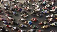 Kemacetan Ibukota sudah tak bisa lagi dihindari. Apalagi pada pagi dan sore hari menjelang jam pulang kantor. Kondisi jalanan yang semakin ramai, membuat banyak masyarakat memilih kendaraan roda dua atau sepeda motor.