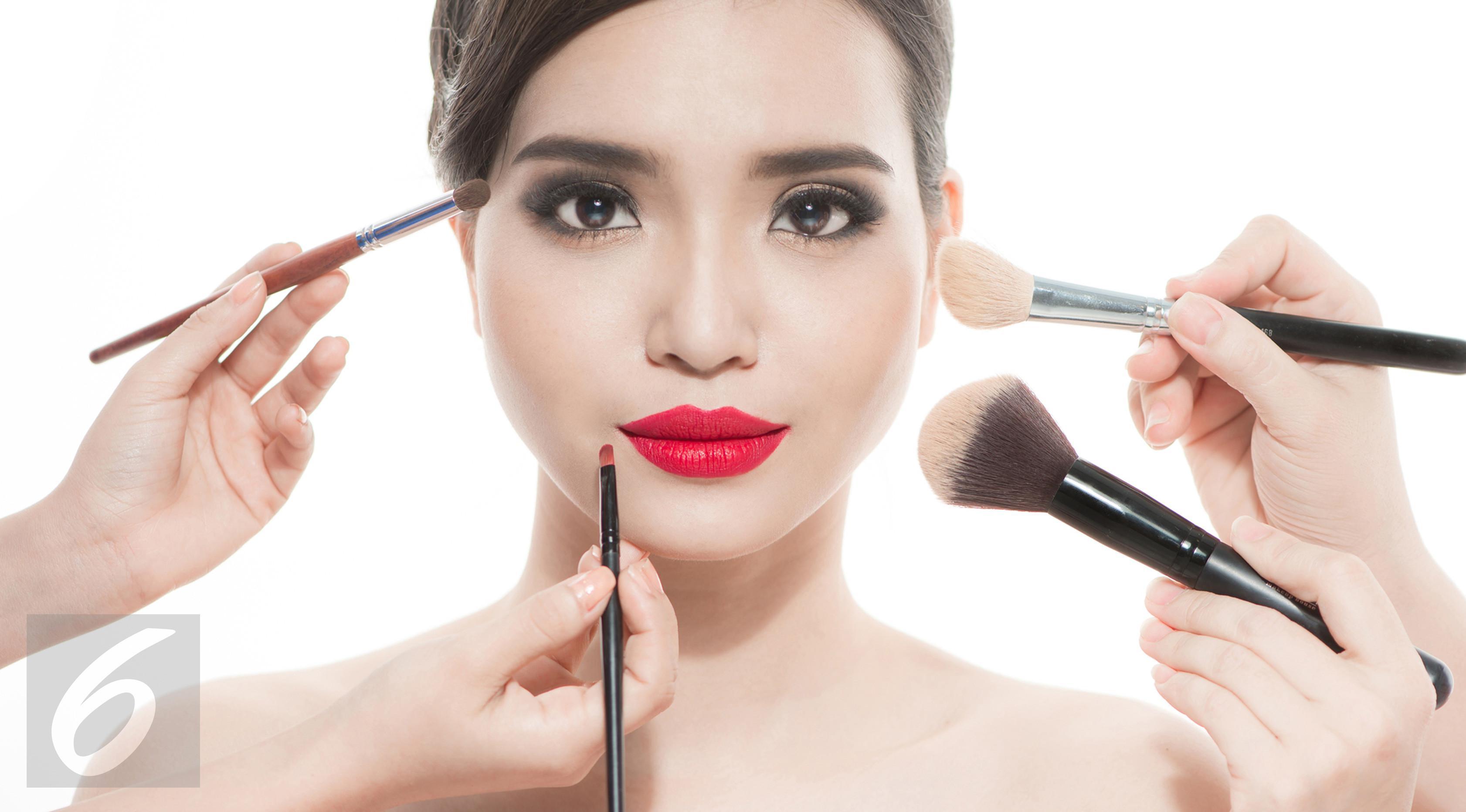 Ilustrasi Foto Alat Make Up (iStockphoto)t