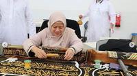 Puan Maharani berkesempatan melihat pembuatan Kiswah (kain penutup Ka'bah) (Dok.Instagram/@puanmaharaniri/https://www.instagram.com/p/Bw_CIDzlxGb/Komarudin)