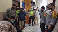 Kapolres Minahasa Utara juga menjelaskan, tes urine untuk pencegahan narkoba ini sudah menjadi agenda rutin di lingkungan Polri.