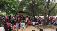 Suasana Pantai Ancol saat libur Pilkada. (Liputan6.com/Moch Harun Syah)