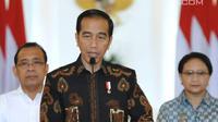 Presiden Joko Widodo memberi keterangan di Istana Kepresidenan Bogor, Jawa Barat, (12/6). Senioritas dan kapabilitas Amien Rais dalam kancah politik nasional dapat memberikan warna tersendiri bagi pesta demokrasi. (Liputan6.com/Pool/Biro Setpres)