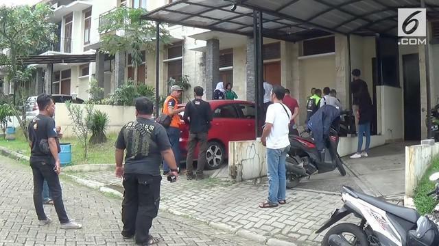 KPAI dan Polres Bogor mendatangi lokasi penyekapan anak di perumahan Taman Aster Bogor, Jawa Barat.