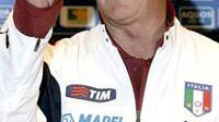 Pelatih Italia, Marcello Lippi saat konferensi pers di Coverciano, dekat Florence, 27 Februari 2006 menjelang partai Italia vs Jerman. (AP Photo/Lorenzo Galassi)