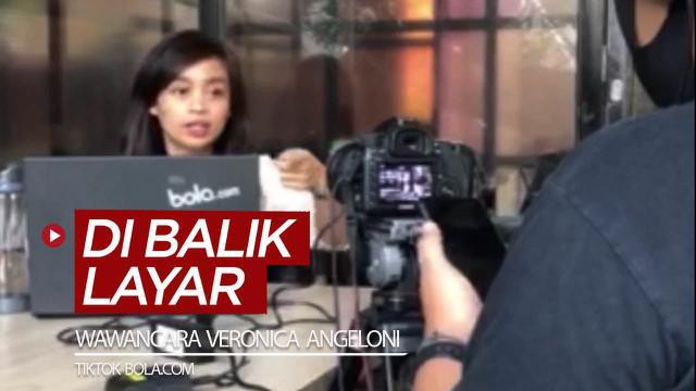 Berita video TikTok Bola.com kali ini memperlihatkan di balik layar produksi wawancara Veronica Angeloni, atlet cantik Italia yang cinta Indonesia, untuk rubrik Lebih Dekat.