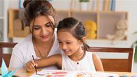 Maaf ayah, tapi sebuah studi menegaskan kalau kecerdasan anak ternyata diturunkan dari ibu. Foto: ntrepreneur
