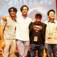 Reza Rahadian dan kru film Firegate (Syaiful Bahri/Bintang.com)