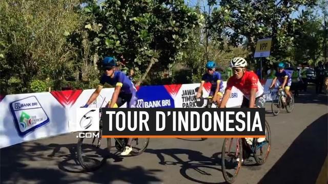 Balap sepeda Tour d'Indonesia 2019 dimulai hari ini, Senin (19/8/2019). 90 pebalap dari 18 tim di 22 negara akan tempuh 5 etape yang akan berakhir di Geopark Batur Bali.
