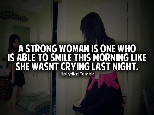 Kenapa Wanita Bisa Tetap Tersenyum Meski Hatinya Sedang