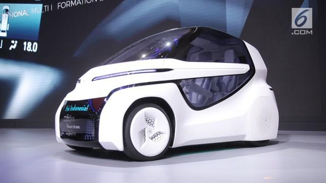 Gaikindo Indonesia International Auto Show (GIIAS) 2018 digelar di ICE BSD. Tiap produsen mobil memamerkan teknologi terbaru dari tiap varian baru mobilnya.