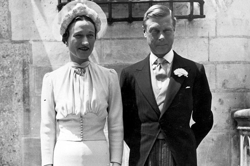 Edward VIII turun takhta demi nikahi janda
