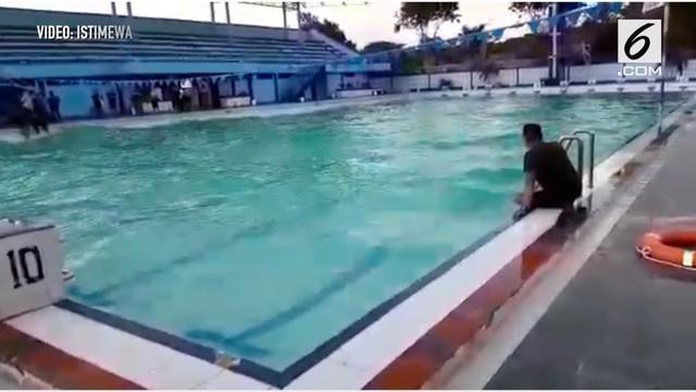 Penjelasan sementara peristiwa berombaknya air kolam renang Tirta Krida di Pusdiklatsarmil Lanudal Juanda, Kabupaten Sidoarjo, Jawa Timur, bersamaan dengan kejadian gempa di Palu dan Donggala, Sulawesi Tengah, pada Jumat sore, 28 September 2018.