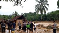 Tercatat ada tujuh jembatan putus akibat bencana banjir dan tanah longsor yang menerjang Lebak Banten di awal 2020 ini.(Liputan6.com/ Yandhi Deslatama)