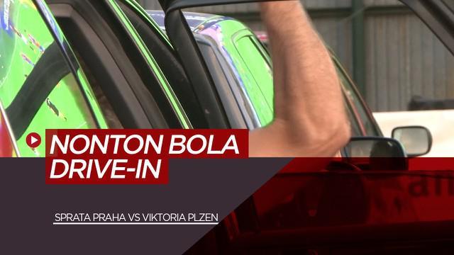 Berita Video New Normal, Suporter Viktoria Plzen dan Sparta Praha Nobar Drive-in