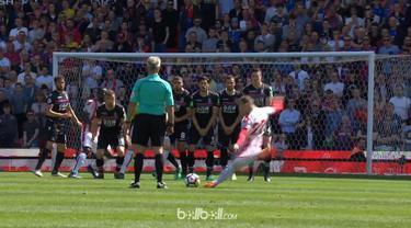 Stoke City turun satu kasta karena hanya mampu finis di posisi ke-19 musim lalu. This video is presented by Ballball.