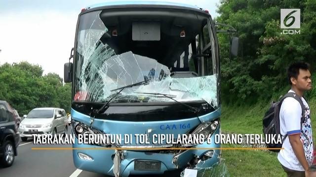 Tabrakan beruntun beberapa mobil terjadi di ruas tol Cipularang. Akibatnya 6 orang terluka dalam peristiwa ini dan langsung dilarikan ke RS Thamrin Purwakarta