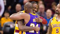 LeBron James dan Kobe Bryant. (Jason Miller / GETTY IMAGES NORTH AMERICA / AFP)