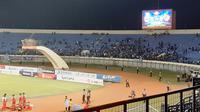 Duel Persib Bandung Vs Kalteng Putra di Stadion Si Jalak Harupat, Soreang, Selasa (16/7/2019), sepi penonton. (Bola.com/Erwin Snaz)