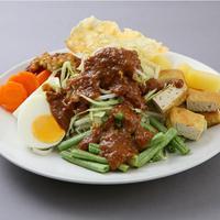 Santap pecel, gado-gado dan karedok untuk menu buka puasa sehat.| Via: satujam.com
