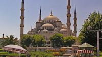 Masjid Biru sebagai salah satu wisata di Turki. (dok. Lapping/Pixabay/Tri Ayu Lutfiani)