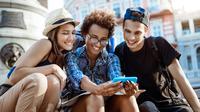Dari sekian banyak kebiasaan khas Generasi Milenial saat traveling, mana nih yang kamu banget?