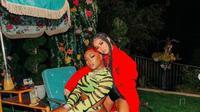 Agnez Mo bersama Megan Thee Stallion saat syuting video klip 'Hot Girl Summer'. (dok.Instagram @agnezmo/https://www.instagram.com/p/B1Az6gjpMqC/?utm_source=ig_embed/Henry