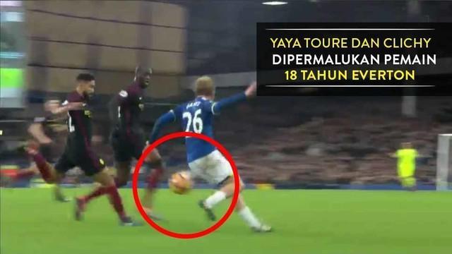 Yaya Toure dan Gael Clichy dikelabui pemain 18 tahun Everton, Tom Davies saat Manchester City kalah 0-4 dari The Toffees