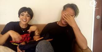 Aktivitas Nirina Zubir dan Ernest Fardiyan di Ranjang, Bikin Baper!