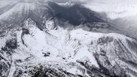 Gunung Berapi Dekat Resor Ski Jepang Erupsi, 15 Pengunjung Luka (Associated Press)
