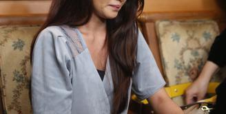 Banyak hal yang membuat Tsania Marwa akhirnya memutuskan untuk menggugat cerai suaminya, Atalarik Syah. Usai mengikuti sidang perdana, ia sedikit membocorkan terkait rumah tangganya. (Nurwahyunan/Bintang.com)