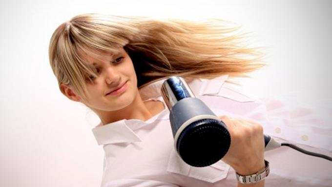 Tips Keringkan Rambut Ekspres Tanpa Hairdryer - Beauty Fimela.com f014b39475