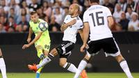 Gelandang Dinamo Zagreb Mislav Orsic melepas tembakan pada leg kedua play-off Liga Champions melawan Rosenberg di Lerkendal Stadium, Trondheim, Selasa (27/8/2019) atau Rabu dini hari WIB. (Twitter Dinamo Zagreb)