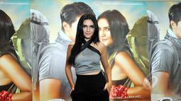 Penyanyi sekaligus artis Alexa Key saat acara press screening film Romeo+Rinjani di Epicentrum Walk, Kuningan, Jakarta, Selasa (21/4/2015). Film yang mulai tayang 23 April mendatang itu mengekspos keindahan Gunung Rinjani. (Liputan6.com/Panji Diksana)