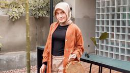 Wanita 22 tahun ini sudah pernah berperan di berbagai sinetron lainnya, seperti Ganteng Ganteng Serigala bersama Aliando. (Liputan6.com/IG/silviaanggraini29)