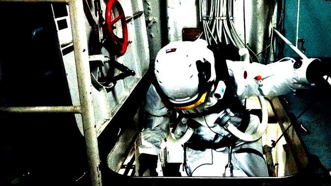 Venzha Christ saat terlibat dalam proyek Simulation of Human Isolation Research for Antarctica-based Space Engineering (SHIRASE) Jepang pada 2019.
