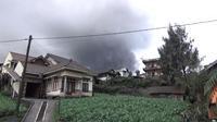 Pusat Vulkanologi dan Mitigasi Bencana Geologi (PVMBG) mencatat ada 28 kali letusan di Gunung Bromo. (Liputan6.com/Dian Kurniawan)