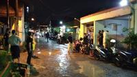 Sejumlah warga terus berdatangan ke rumah kediaman kapten pilot Sriwijaya Air, Afwan, di Perum Bumi Cibinong Endah Blok A3 No 10, Cibinong, Bogor.