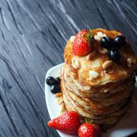 pancake kacang/copyright: unsplash/maria mekht