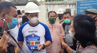 Diskusi alot antara Satgas Covid Makassar dengan pihak perusahaan (Liputan6.com/Fauzan)